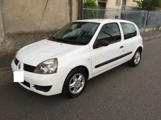 sold renault clio van autocarro 2 used cars for sale autouncle. Black Bedroom Furniture Sets. Home Design Ideas