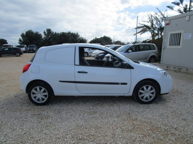 sold renault clio van 1 5 dci 75c used cars for sale autouncle. Black Bedroom Furniture Sets. Home Design Ideas