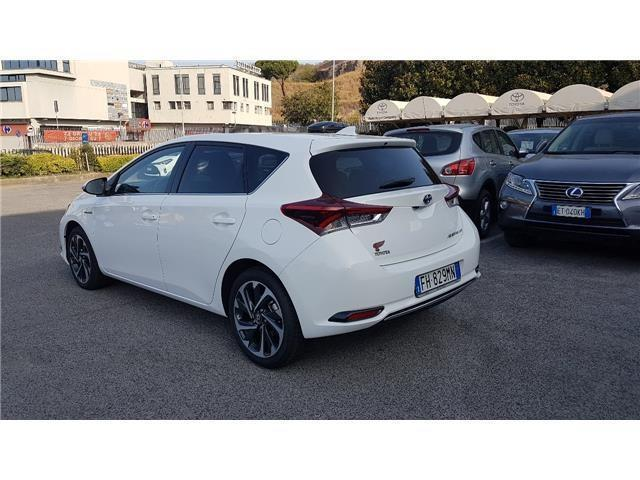 usato 1 8 hybrid active style pack toyota auris 2017 km 0 in limena. Black Bedroom Furniture Sets. Home Design Ideas