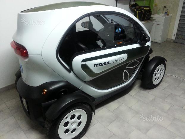 sold renault twizy 80 momo design used cars for sale autouncle. Black Bedroom Furniture Sets. Home Design Ideas