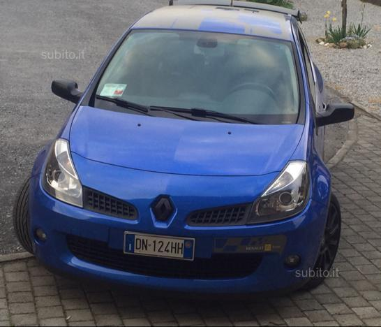 sold renault clio r s clio 2 0 16 used cars for sale. Black Bedroom Furniture Sets. Home Design Ideas