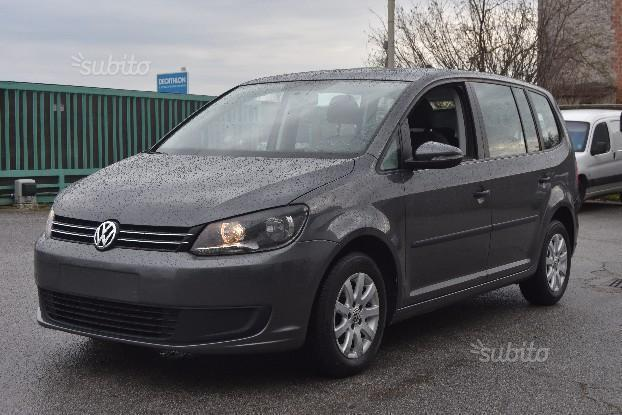 sold vw touran 1 6 tdi 2013 used cars for sale autouncle. Black Bedroom Furniture Sets. Home Design Ideas