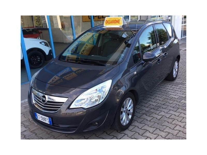 usato 1 7 cdti 110cv in allestimento cosmo opel meriva 2013 km in novara. Black Bedroom Furniture Sets. Home Design Ideas