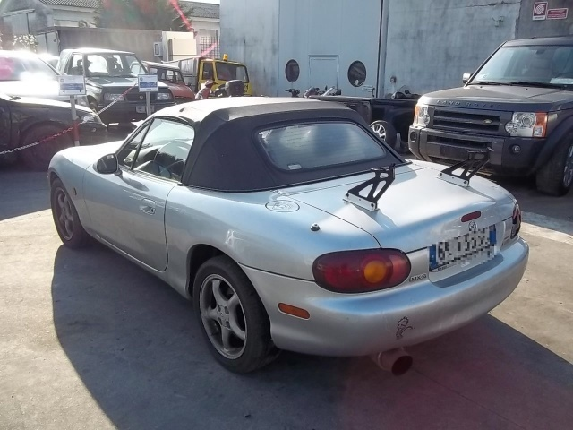 usato 1 6 cabrio mazda mx5 2000 km in thiene vi. Black Bedroom Furniture Sets. Home Design Ideas