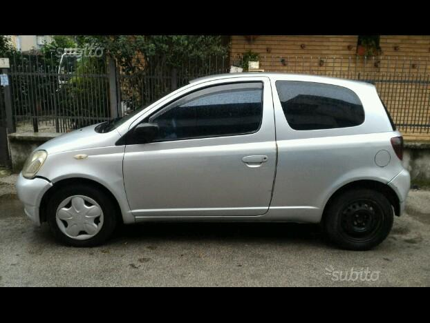 sold toyota yaris 1 4 d4d used cars for sale autouncle. Black Bedroom Furniture Sets. Home Design Ideas