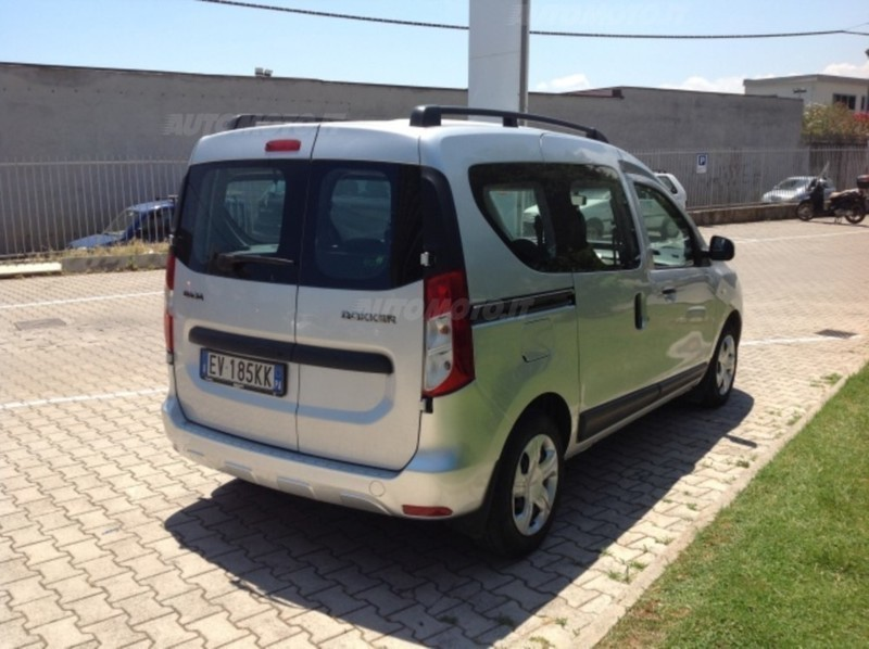 sold dacia logan mcv 1 5 dci 90 cv used cars for sale autouncle. Black Bedroom Furniture Sets. Home Design Ideas