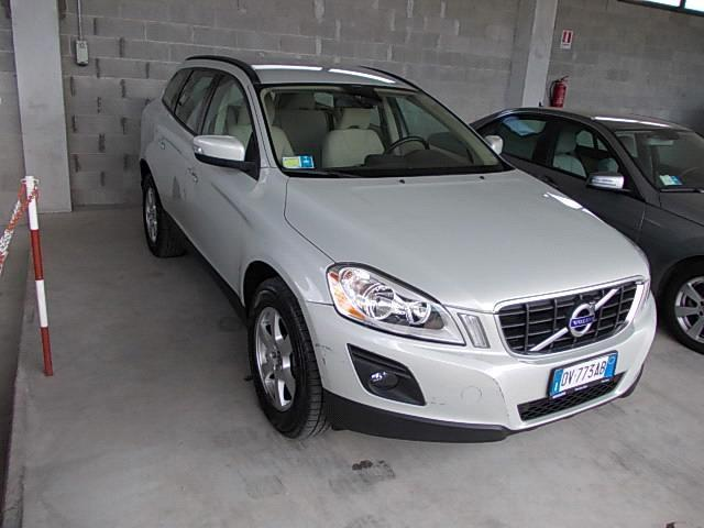 sold volvo xc60 2 4 d kinetic 5p used cars for sale. Black Bedroom Furniture Sets. Home Design Ideas