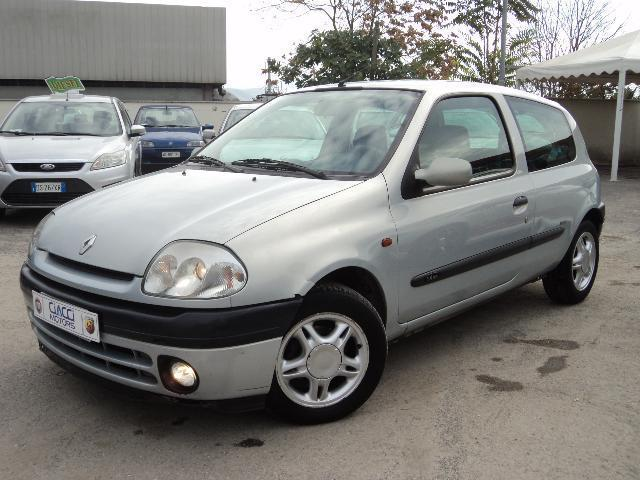 sold renault clio 1 4 16v max 3p used cars for sale autouncle. Black Bedroom Furniture Sets. Home Design Ideas