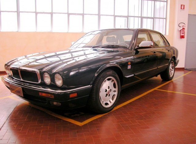 Schema Elettrico Jaguar Type : Usato jaguar xj benzin  torino to
