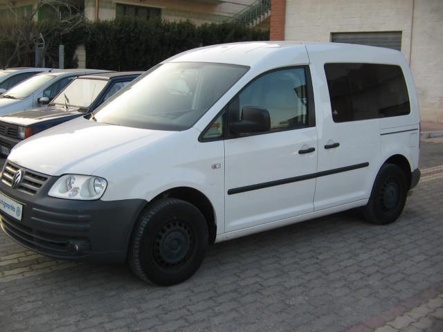 sold vw caddy 2 0 ecofuel life tra used cars for sale autouncle. Black Bedroom Furniture Sets. Home Design Ideas