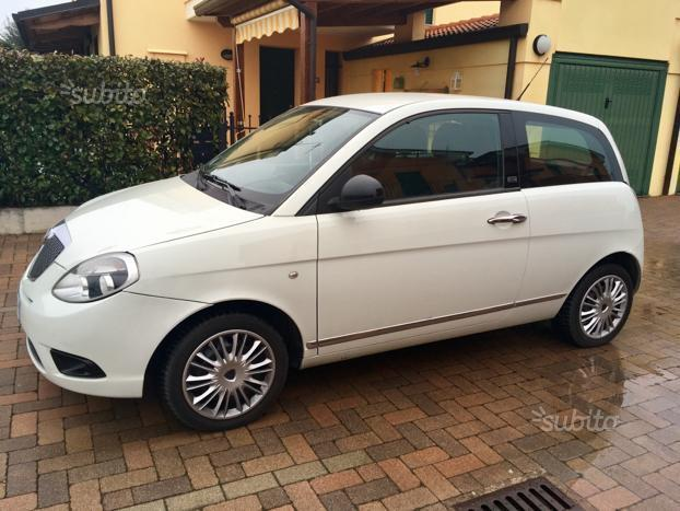 Sold lancia ypsilon diva 1 3 multi used cars for sale autouncle - Lancia y diva 2010 ...