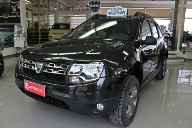 sold dacia duster 1 6 gpl laureate used cars for sale autouncle. Black Bedroom Furniture Sets. Home Design Ideas