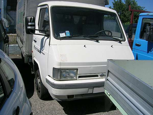 usato nissan pickup 1998 km in toscana autouncle. Black Bedroom Furniture Sets. Home Design Ideas