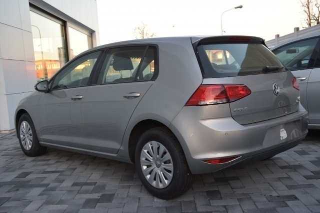 sold vw golf 1 6 tdi 90 cv 5p tr used cars for sale autouncle. Black Bedroom Furniture Sets. Home Design Ideas