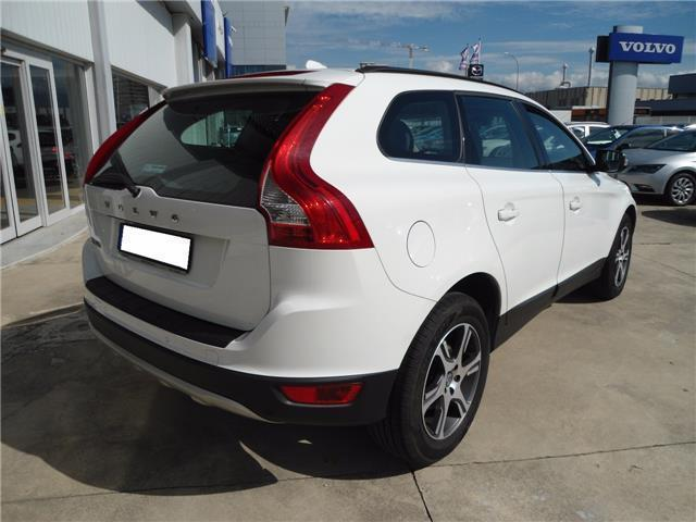 sold volvo xc60 d3 geartronic mome used cars for sale. Black Bedroom Furniture Sets. Home Design Ideas