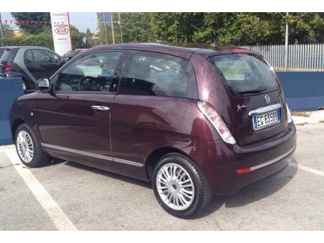 Sold lancia ypsilon 1 2 diva used cars for sale autouncle - Lancia y diva 2011 prezzo ...
