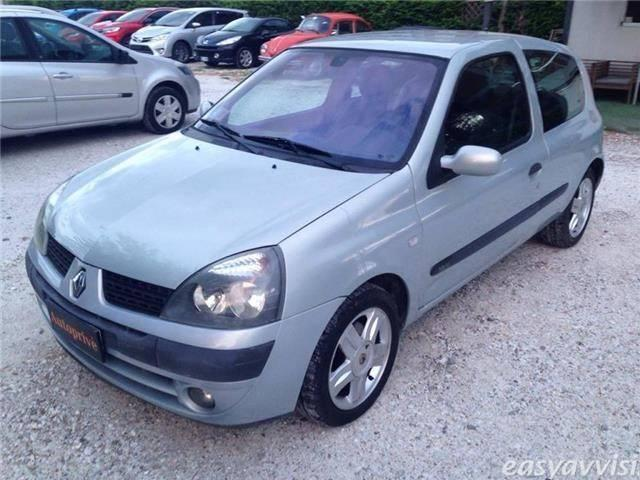 sold renault clio 1 2 16v adatta used cars for sale autouncle. Black Bedroom Furniture Sets. Home Design Ideas