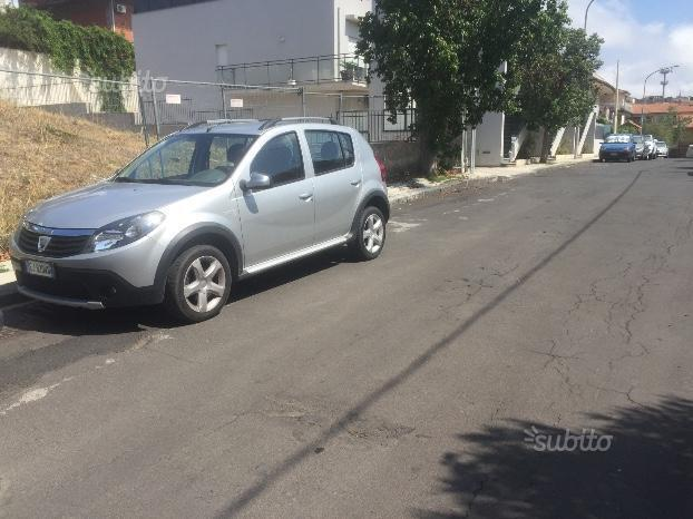 usato stepway 1 5 dci 90cv dacia sandero 2011 km in taranto. Black Bedroom Furniture Sets. Home Design Ideas