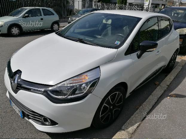 sold renault clio iv tce 90cv turb used cars for sale autouncle. Black Bedroom Furniture Sets. Home Design Ideas