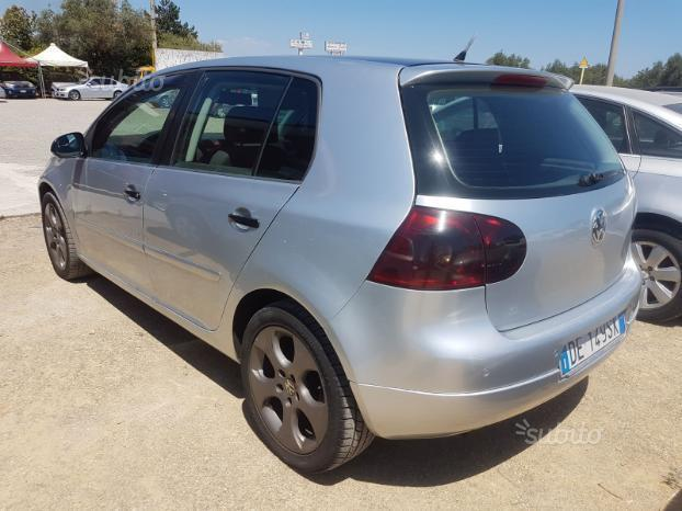 sold vw golf v 1 9 tdi 105 cv 2006 used cars for sale autouncle. Black Bedroom Furniture Sets. Home Design Ideas