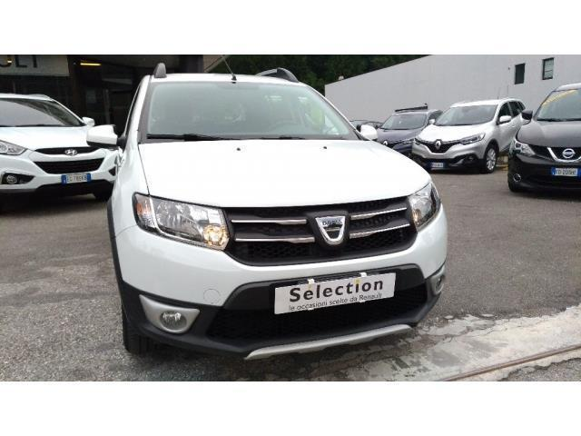 usato stepway prestige 1 5 dci 90cv dacia sandero 2015 km 0 in roma. Black Bedroom Furniture Sets. Home Design Ideas