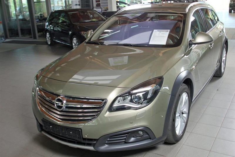 Schemi Elettrici Opel Insignia : Usato cdti opel insignia country tourer km