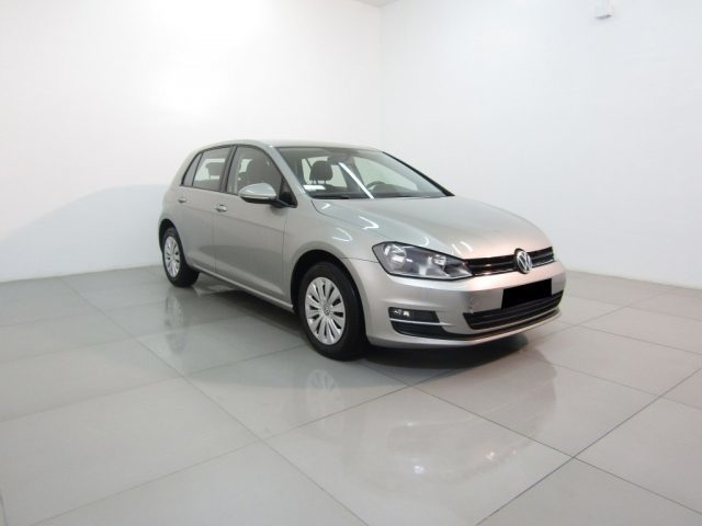 usato 1 6 tdi 110 cv business bluemotion technology vw golf vii 2016 km in bellona. Black Bedroom Furniture Sets. Home Design Ideas