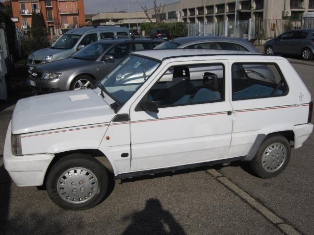 fiat punto benzina km 0 with 14254299 Fiat Panda 750 Italia 90 on 14254299 Fiat Panda 750 Italia 90 moreover 115041 further 10408144 Abarth Punto Evo Esseesse Assetto Koni 180cv as well 119524456 as well Fiat Punto Evo Gpl Prova Su Strada.