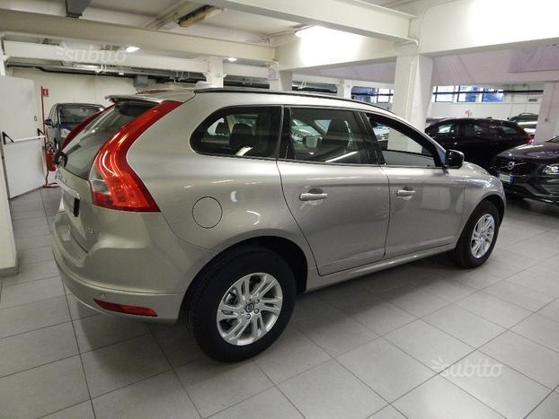 usato d3 geartronic business volvo xc60 2014 km 0 in milano. Black Bedroom Furniture Sets. Home Design Ideas