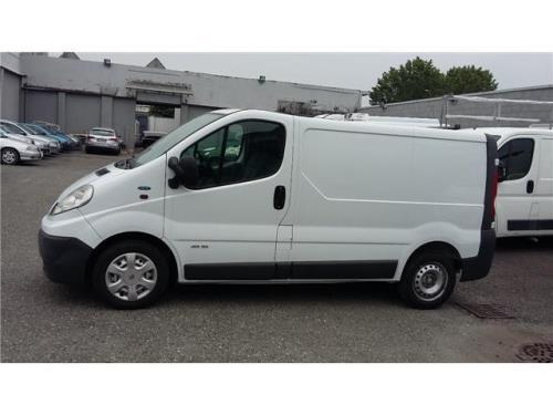 usato 2007 renault trafic 2 0 diesel 10148 torino to autouncle. Black Bedroom Furniture Sets. Home Design Ideas