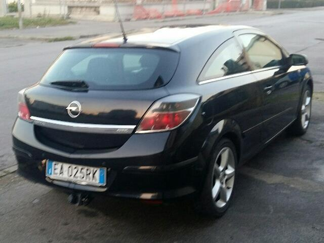 sold opel astra gtc 1 7 cdti 125cv used cars for sale autouncle. Black Bedroom Furniture Sets. Home Design Ideas