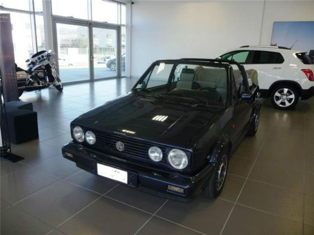venduto vw golf cabriolet 1 6 cabrio auto usate in vendita. Black Bedroom Furniture Sets. Home Design Ideas