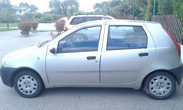 Sold Fiat Punto - seconda serie - used cars for sale - AutoUncle Fiat Punto Seconda Serie on fiat marea, fiat stilo, fiat ritmo, fiat linea, fiat 500l, fiat doblo, fiat cinquecento, fiat coupe, fiat spider, fiat panda, fiat barchetta, fiat bravo, fiat cars, fiat multipla, fiat 500 turbo, fiat x1/9, fiat 500 abarth, fiat seicento,