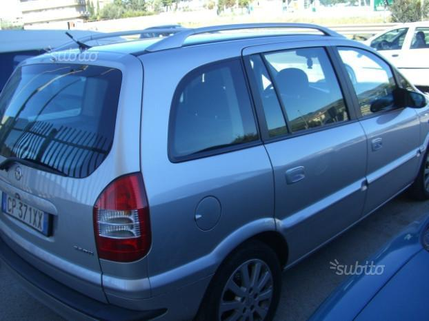 sold opel zafira 2 2 dti 7 posti e used cars for sale autouncle. Black Bedroom Furniture Sets. Home Design Ideas