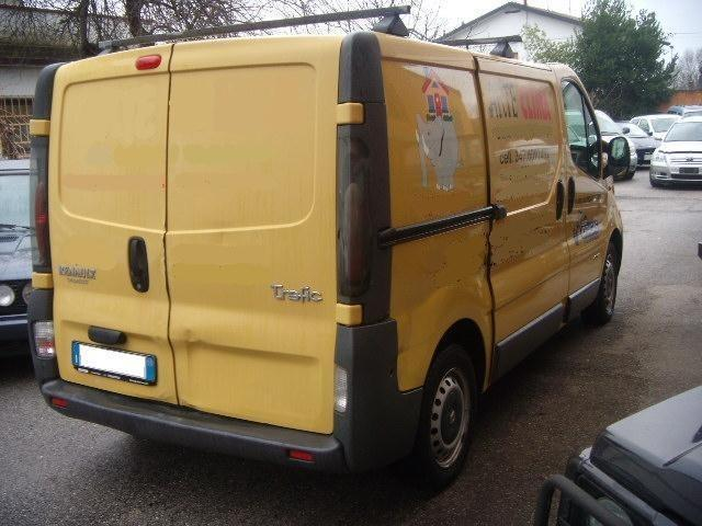 sold renault trafic t27 1 9 dci 10 used cars for sale autouncle. Black Bedroom Furniture Sets. Home Design Ideas