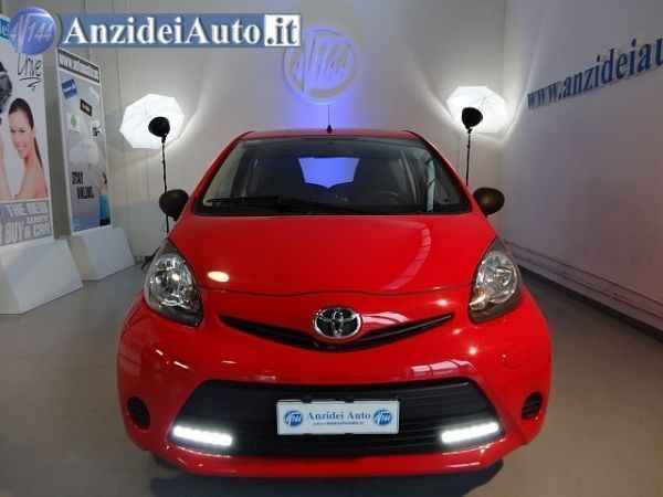 sold toyota aygo aygo 1 serie1 0 used cars for sale autouncle. Black Bedroom Furniture Sets. Home Design Ideas