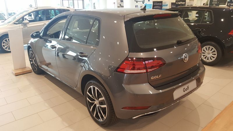 usato 2017 1 6 tdi business 5p restyling vw golf vii 2017 km 0 in bernezzo cuneo. Black Bedroom Furniture Sets. Home Design Ideas