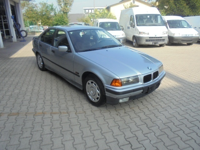 usata BMW 320 Serie 3 (E36) 24V cat 4 porte EUROPA