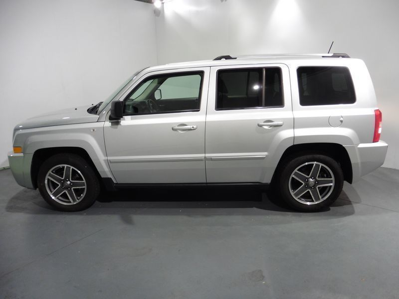 venduto jeep patriot diesel 2 0 td sp auto usate in vendita. Black Bedroom Furniture Sets. Home Design Ideas