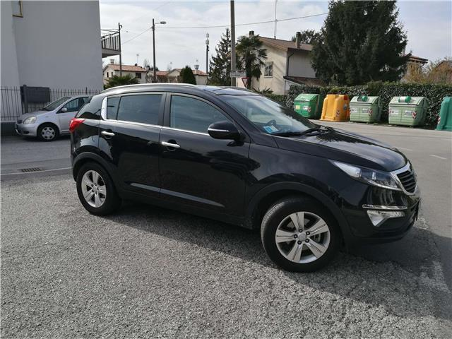 sold kia sportage 1 6 eco gpl 2wd used cars for sale. Black Bedroom Furniture Sets. Home Design Ideas