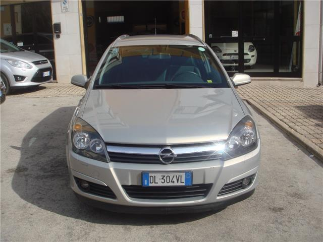 sold opel astra 1 9 cdti 120 cv w used cars for sale autouncle. Black Bedroom Furniture Sets. Home Design Ideas