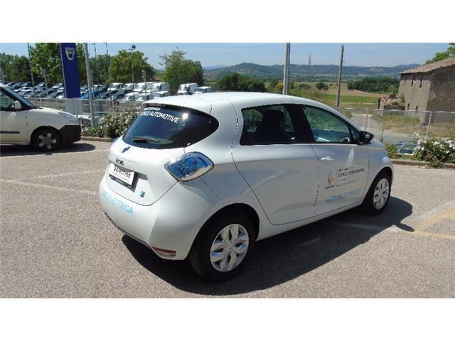 usato life r240 renault zoe 2016 km in corciano autouncle. Black Bedroom Furniture Sets. Home Design Ideas