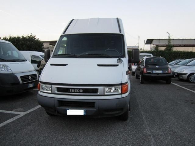 usato 35c13v bartor2 8 tdi pl ta rg furg iveco daily 2004 km in roma rm. Black Bedroom Furniture Sets. Home Design Ideas
