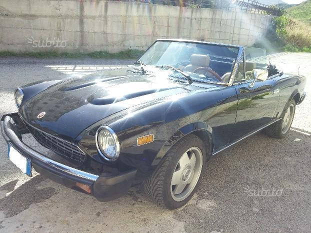 sold fiat 124 spider spider cabrio used cars for sale. Black Bedroom Furniture Sets. Home Design Ideas