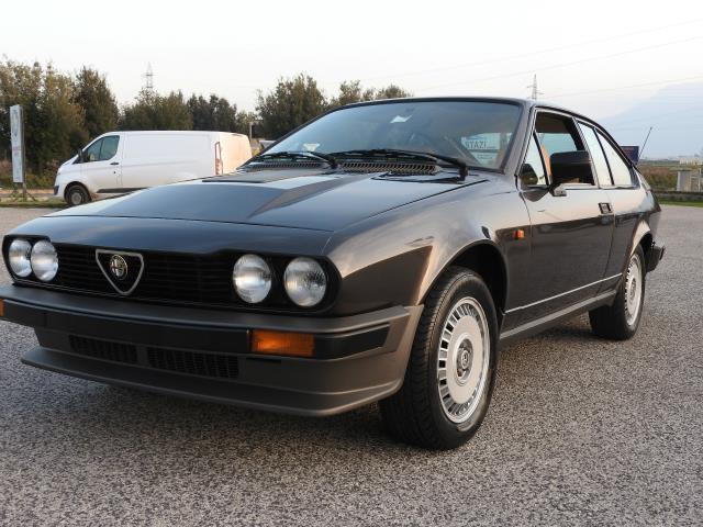 sold alfa romeo gtv gtv6 2500 v6 used cars for sale autouncle. Black Bedroom Furniture Sets. Home Design Ideas