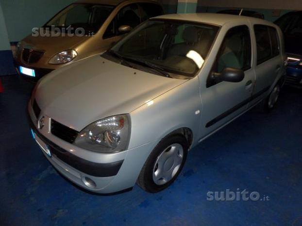 sold renault clio ii dci 82cv cat used cars for sale autouncle. Black Bedroom Furniture Sets. Home Design Ideas