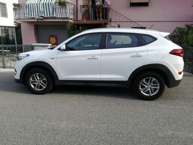 sold hyundai tucson classic 1 7 cr used cars for sale. Black Bedroom Furniture Sets. Home Design Ideas