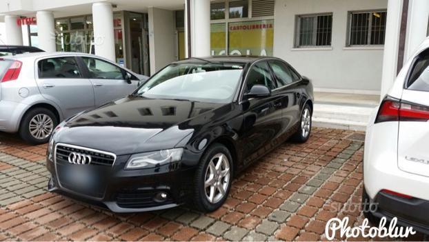 Venduto audi a4 berlina 3000 auto usate in vendita for Lunghezza audi a4 berlina