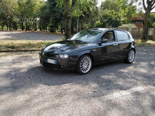 sold alfa romeo 147 1 9 jtd 150cv used cars for sale autouncle. Black Bedroom Furniture Sets. Home Design Ideas
