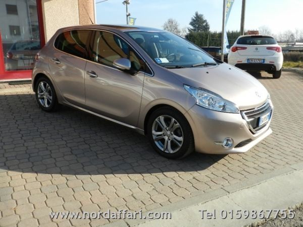 sold peugeot 208 1 6 e hdi 115 cv used cars for sale autouncle. Black Bedroom Furniture Sets. Home Design Ideas